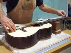 expert training acoustic electric guitar making